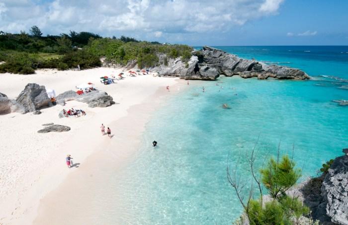 Beach in Horshoe bay Bermuda photo via Depositphotos