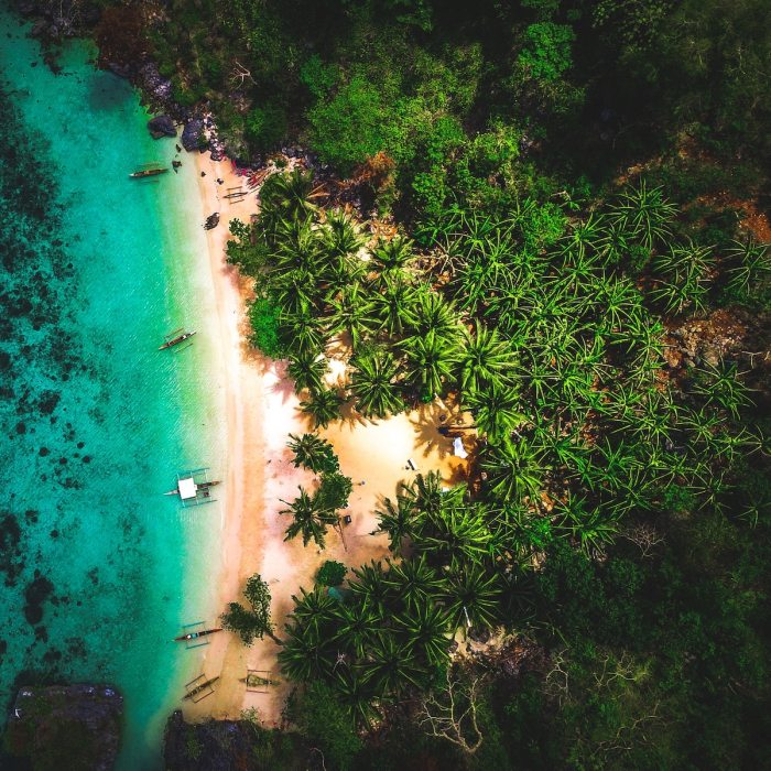 Best Airbnbs in Coron Palawan photo by @tatonomusic via Unsplash