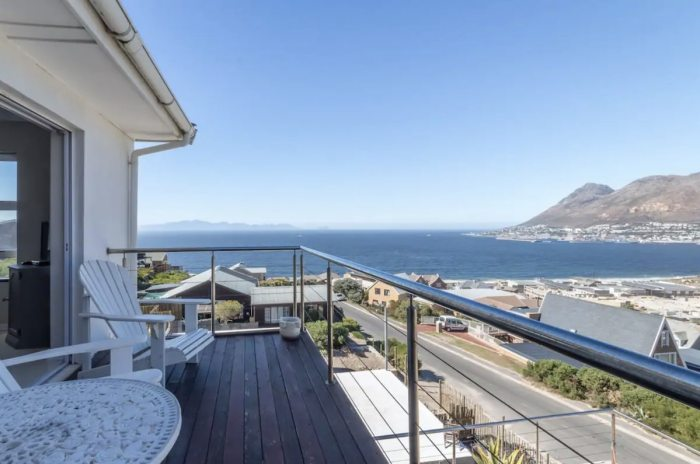 Home.fit Cape-Town-Private-self-catering-apartment-with-one-bedroom-and-on-suite-bathroom Where to Stay: 10 Best Airbnbs in Cape Town, South Africa