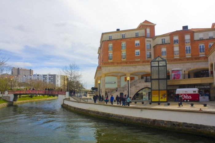Forum Aveiro - shopping center on the Cojo Canal in Aveiro photo via DepositPhotos