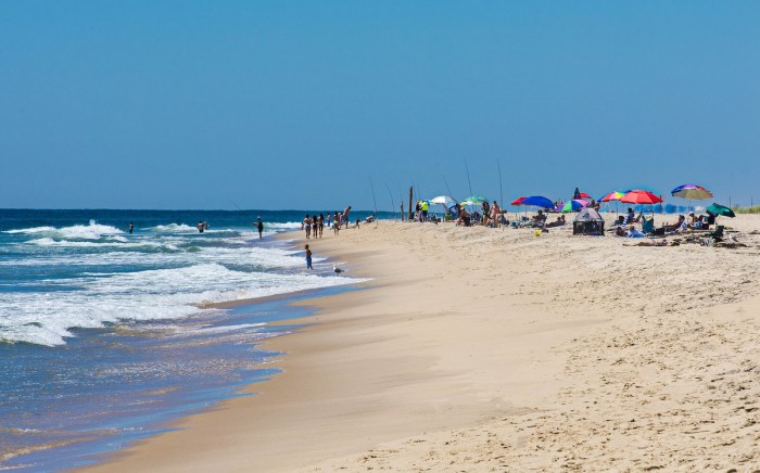 Home.fit Hither-Hills-State-park-by-John-Weiss-via-Flickr-Commons 10 of The Best Beaches in Long Island, New York