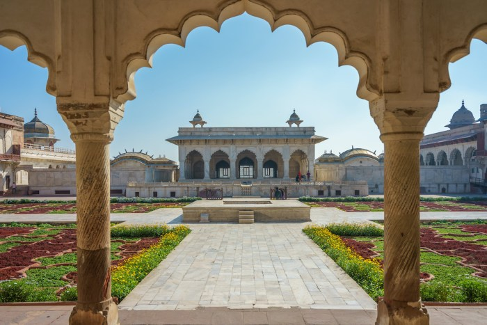 Home.fit Khas-Mahal-and-Anguri-Bagh-Grape-Garden-Agra-Fort-photo-via-Depositphotos Agra Bucket List: Top 15 Best Things to Do in Agra, India