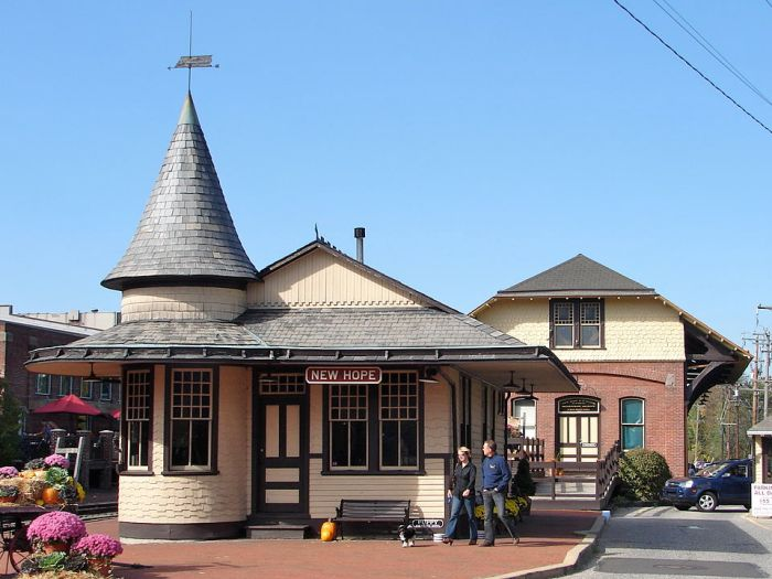 New Hope station Pennsylvania by Smallbones via Wikipedia CC