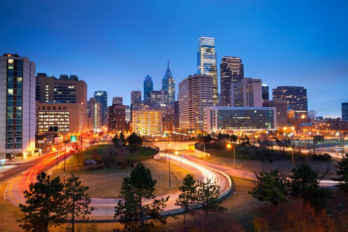 Philadelphia Weekend Getaway from NYC photo via Depositphotos