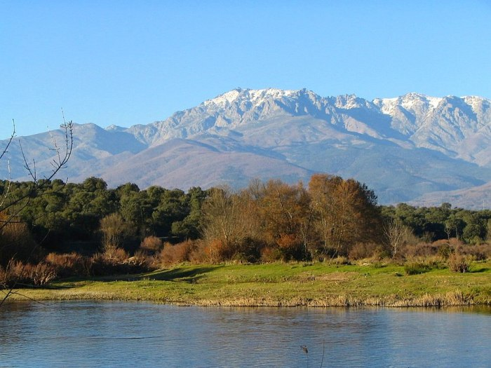 Sierra de Gredos photo via Wikipedia CC