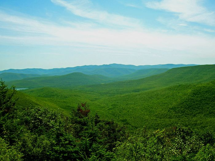 Slide Mountain and nearby peaks as seen from Twin Mountain in the northern Catskills by Daniel Case via Wikipedia CC