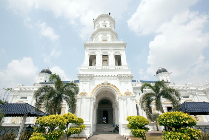 Sultan Abu Bakar State Mosque photo via Depositphotos