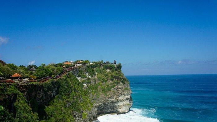 Uluwatu - Beautiful Temples in Bali