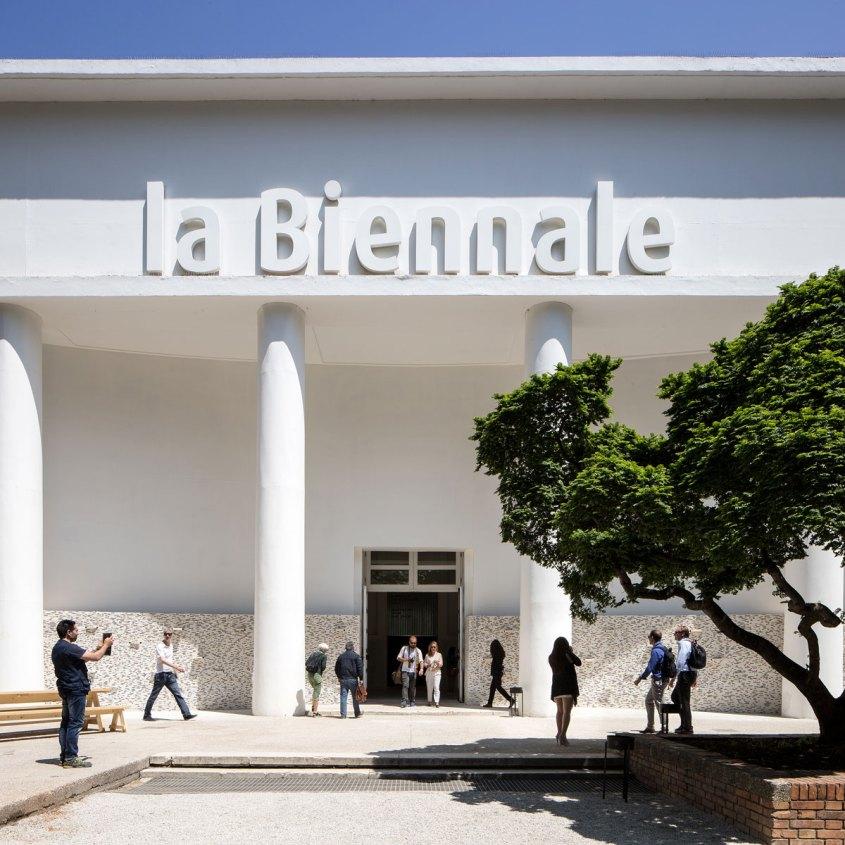 biennale venezia out out magazine 3.jpg