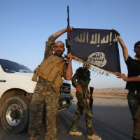 """Islamic State To Putin : """"We're On Our Way"""" (Video)"""