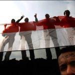 """""""Mãos dadas"""" na revolução dos jovens no Egito"""