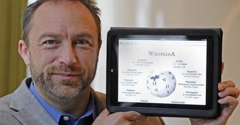 Larry Sanger, co-fundador da Wikipedia. Nascida por acaso, ela alimenta-se da contribuição voluntária de milhões de apoiadores