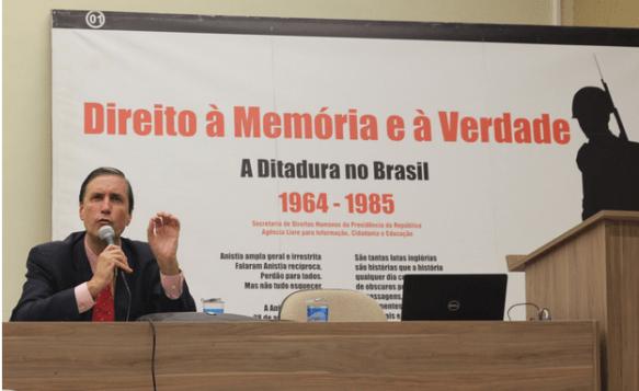 Pedro Dallari em palestra de divulgação dos resultados e experiências da CNV na Unesp/Bauru (foto: Felipe Amaral