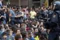 """Governo conservador espanhol reprime luta pela independência. População resiste. Fala-se em """"estado de emergência de fato"""". Um brasileiro explica por que votará"""