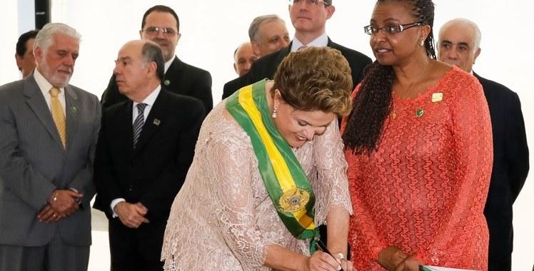 Ministra Nilma Lino Gomes lança edital sobre promoção da igualdade racial