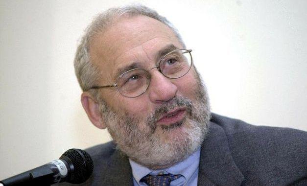 Joseph Stiglitz: O problema-chave é o acesso ao crédito para pequenas e médias empresas, a economia real