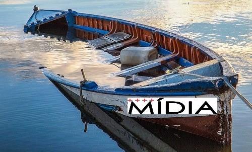 """O fundo do barco furado que a """"Folha"""" quer que seja do Lula"""