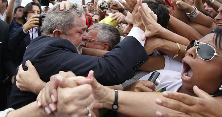 Não existe cadeia que caiba Lula