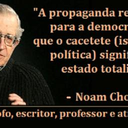 Noam Chomsky: Não é estranho que as pessoas não se entusiasmem pela democracia