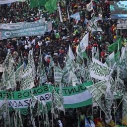 Trabalhadores argentinos vão às ruas contra o neoliberalismo