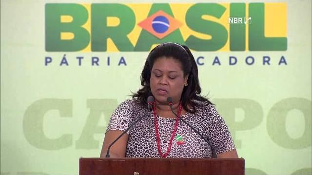 Contra o golpe, Dilma Rousseff recebe apoio de movimentos sociais do campo