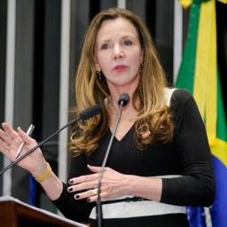 Renan agiu com sobriedade na condução do impeachment, diz Vanessa Grazziotin (PCdoB-AM)