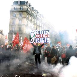 O caos provocado pelo neoliberalismo na França