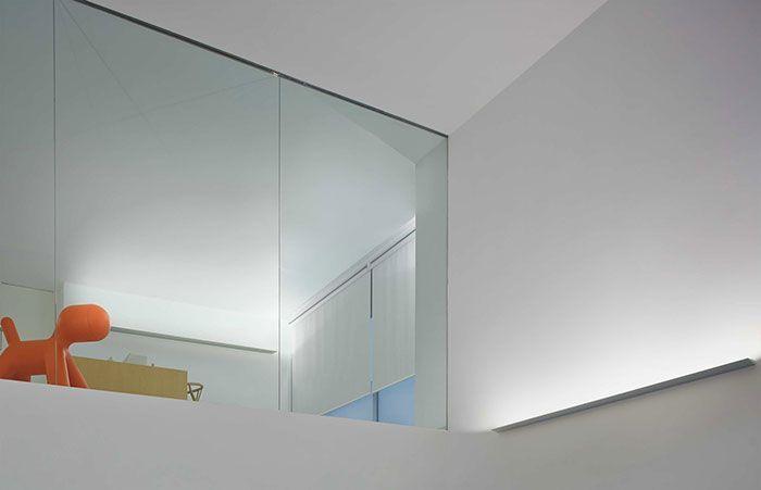 Lámpara led lineal de iluminación indirecta