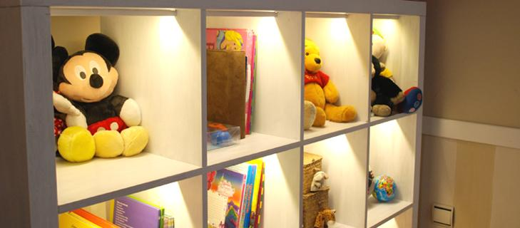 iluminación led en estantería
