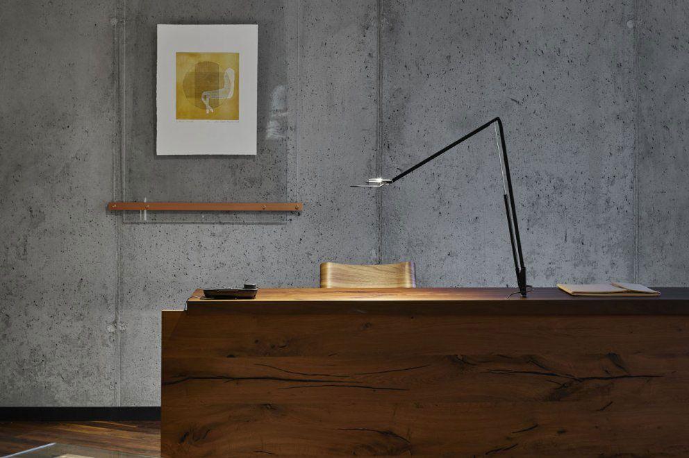lámpara de mesa y escritorio
