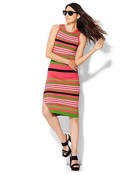 The Daily Find: Ribbed Knit Dress – Stripe