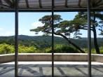 Miho Museum, near Kyoto. Very unexpected, small museum which is worth the bus trip in the mountains. Le Musée Miho près de Kyoto. Un étonnant petit musée qui vaut le détour et l'heure d'autobus en montagne.