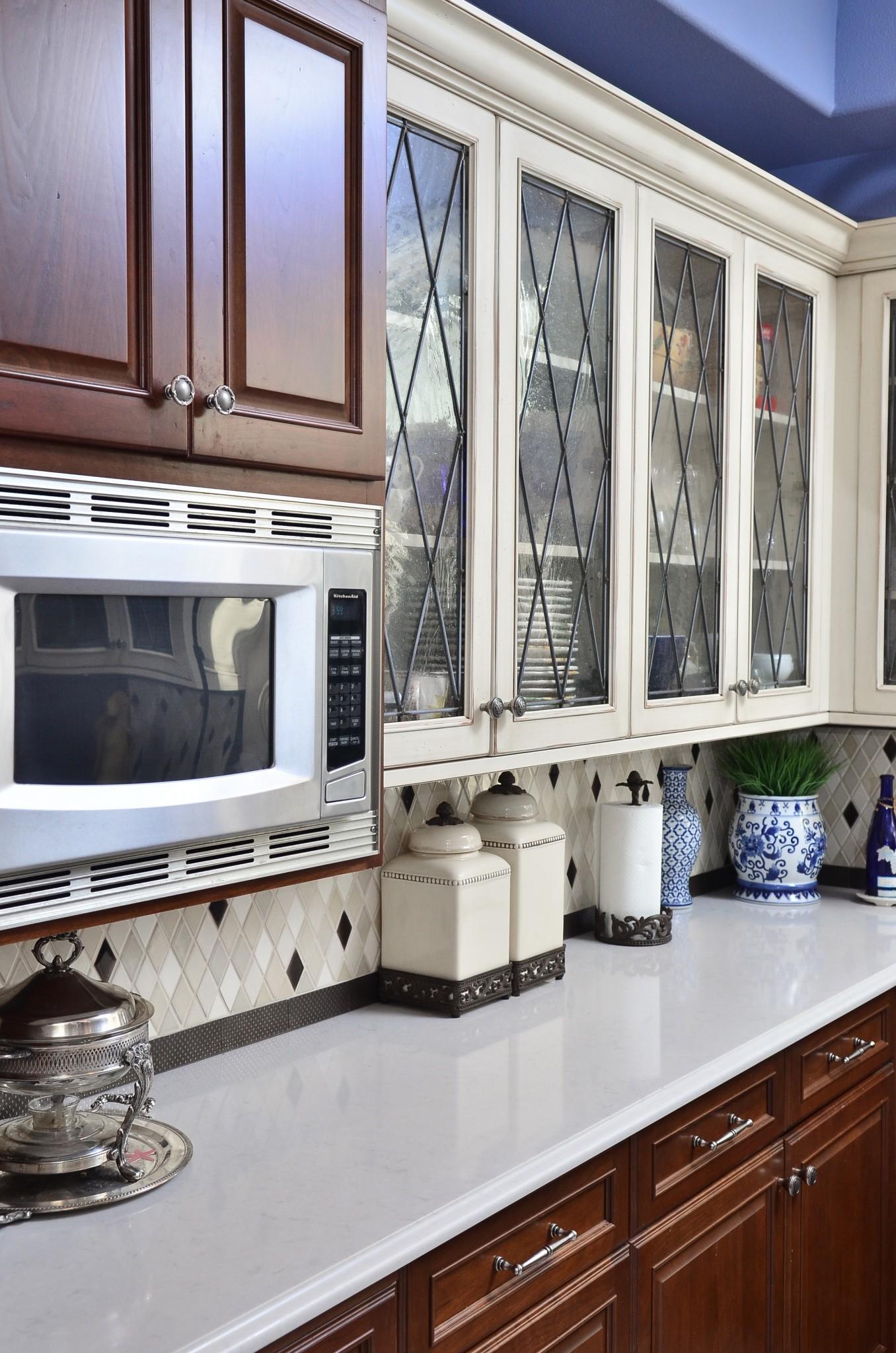oswegolakehouse11-kitchen-counter