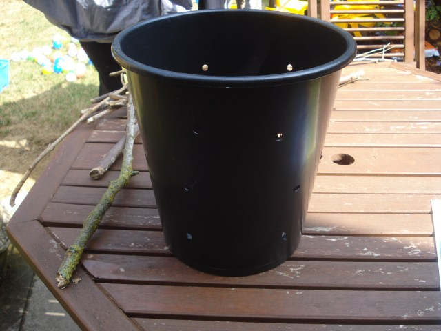 www.over40andamumtoone.com Beetle Bucket