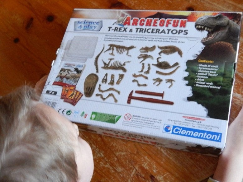 Science & Play Archeofun T-Rex & Triceratops