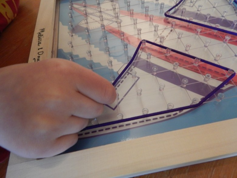 Stretch and Match Geoboard
