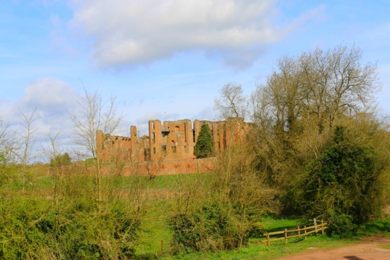 View approaching Kenilworth Castle