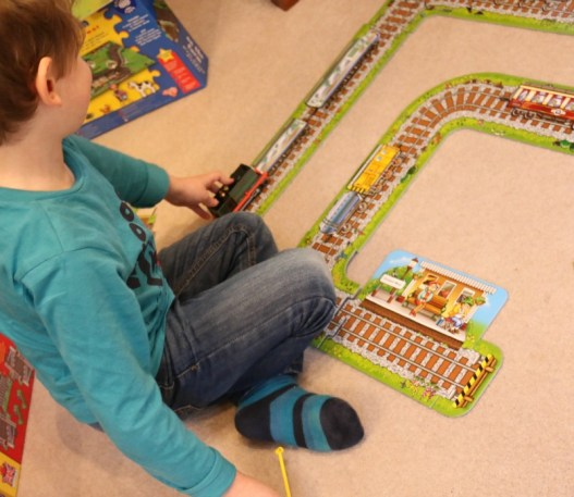 Giant Railway and Station