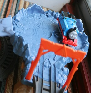 TrackMaster Close Call Cliff playset