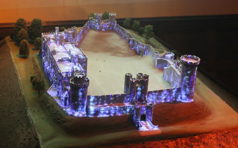 getting-in-the-christmas-spirit-at-warwick-castle-93