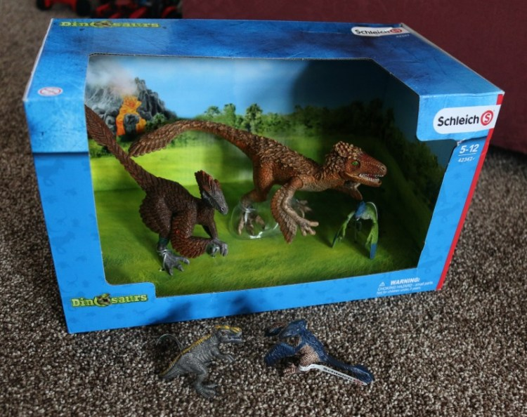 Having fun with Scheich dinosaurs