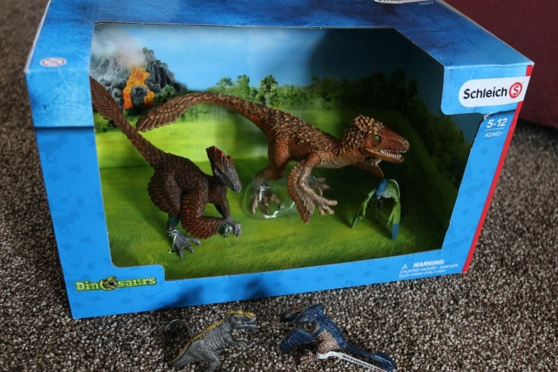 Having fun with Scheich dinosaurs