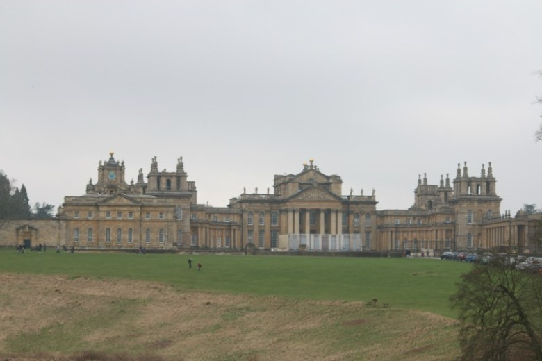 Walking around Queen Pool at Blenheim Palace