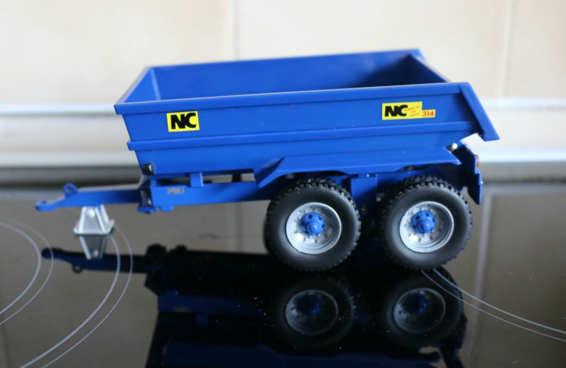 Britains NC Power Tilt Dump Trailer