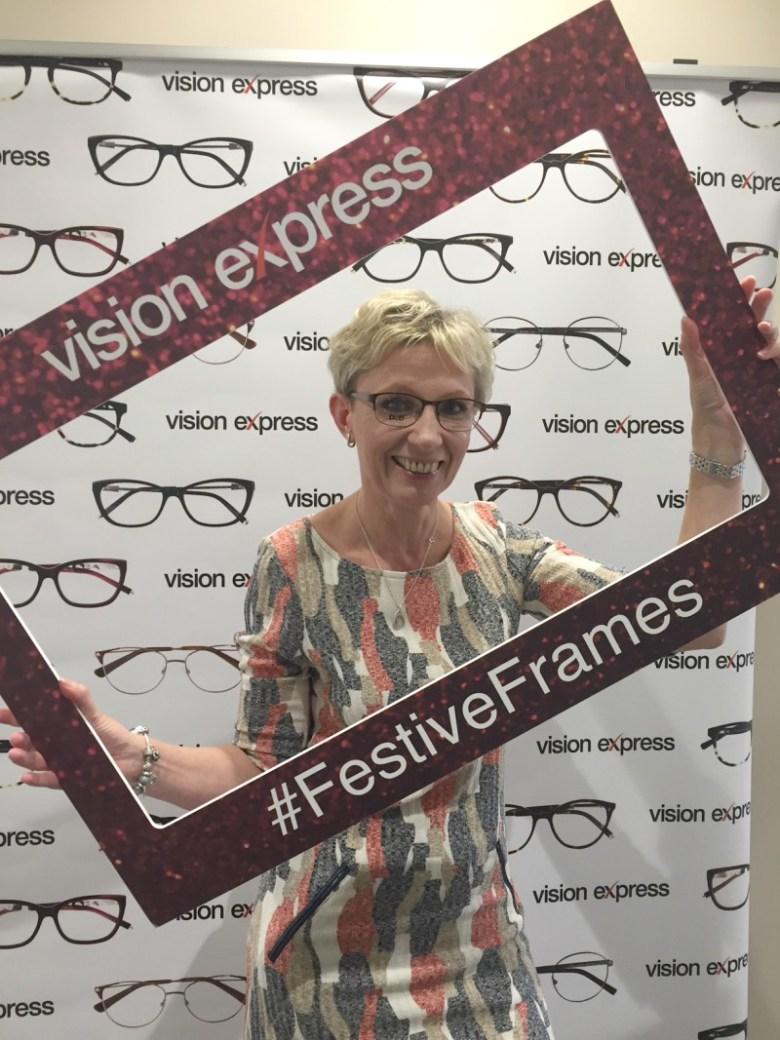 Enjoying a #FestiveFrames make over with Vision Express