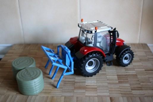 Massey Ferguson 5612 Tractor Play Set 9