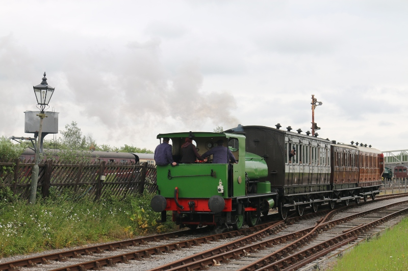 Saddletank Steam loco and carriages