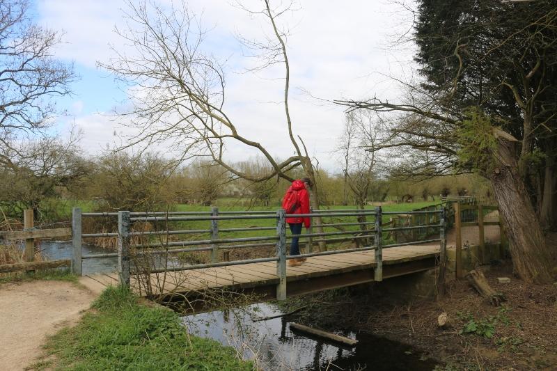 Exploring footpaths close to home - Kirtlington Quarry to Tackley loop walk