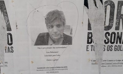 Cartaz em universidade pública