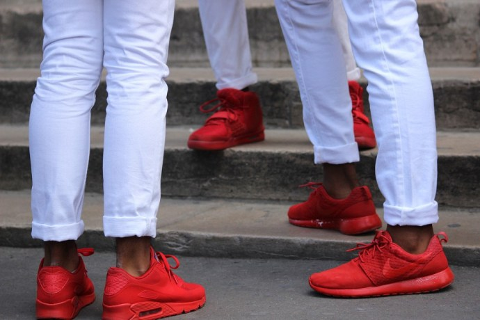 fashion-trends-2015-red-sneakers-1